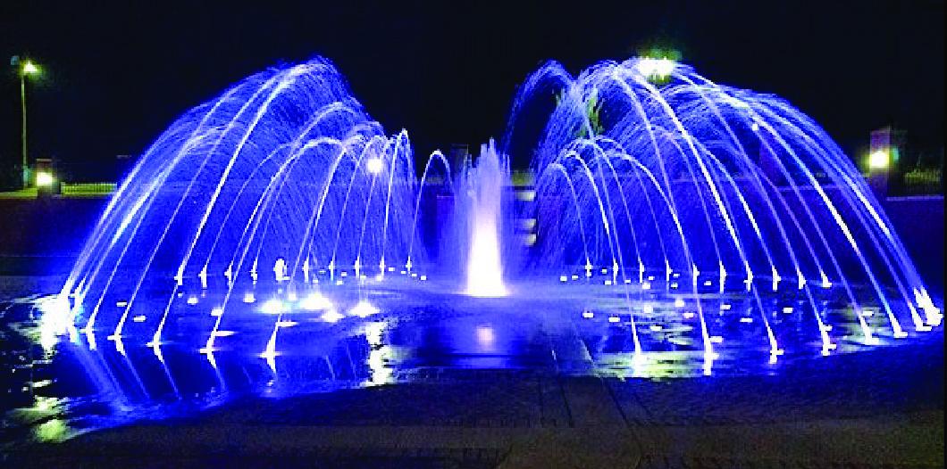 splash-park-at-night